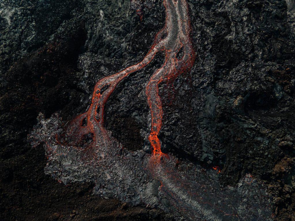 comment voir le volcan en éruption en islande